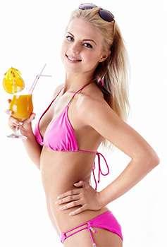 Женщина после применения коктейля Фрути Стикс для похудения