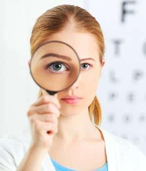 Женщина восстановила зрение с помощью капель Aquablue