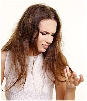 Девушка не применяла спрей parikoff для волос