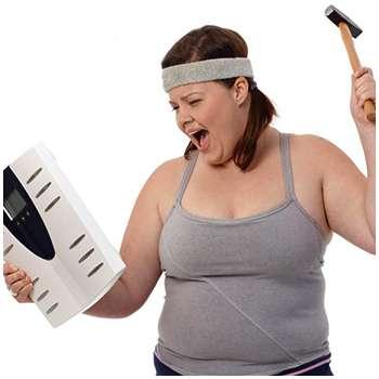 Женщина до применения мармелада для похудения Tiny Gummy Slim.