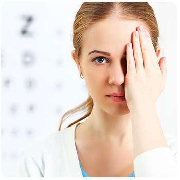 Женщина восстановила зрение благодаря препарату Crystal Eyes.