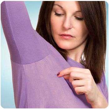 Женщина избавилась от повышенной потливости благодаря концентрату Active Dry.