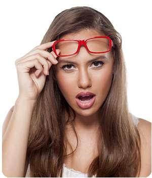 Девушка улучшила зрение благодаря средству Оптивин.