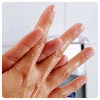 Благодаря антисептику Биосептик руки защищены от вирусов.